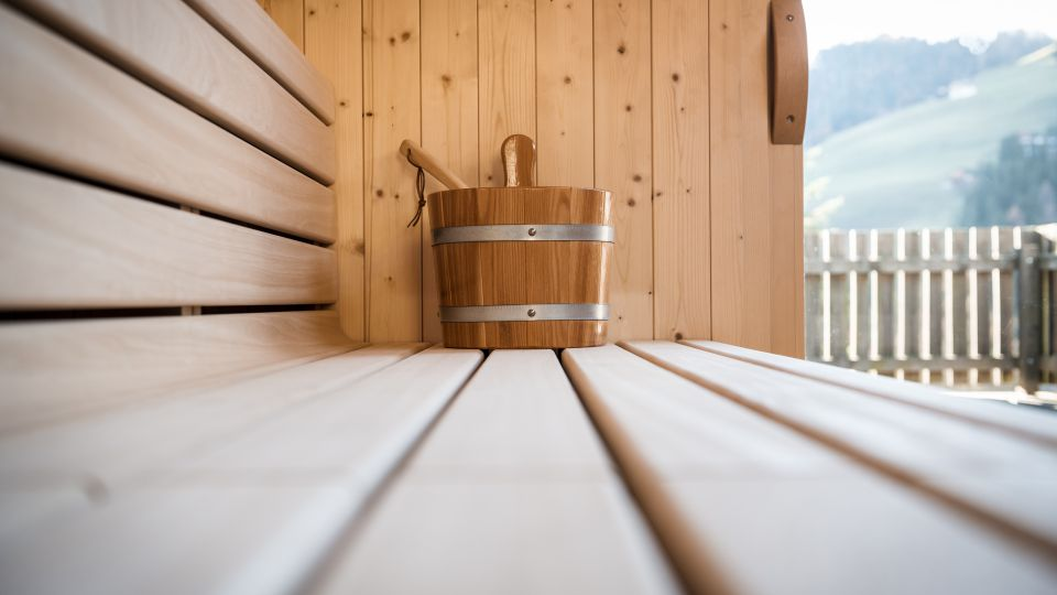Image: Chalet Vanzi's sauna with a panoramic view
